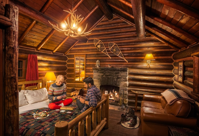Storm Mountain Lodge Cabins & Dining, Castle Junction