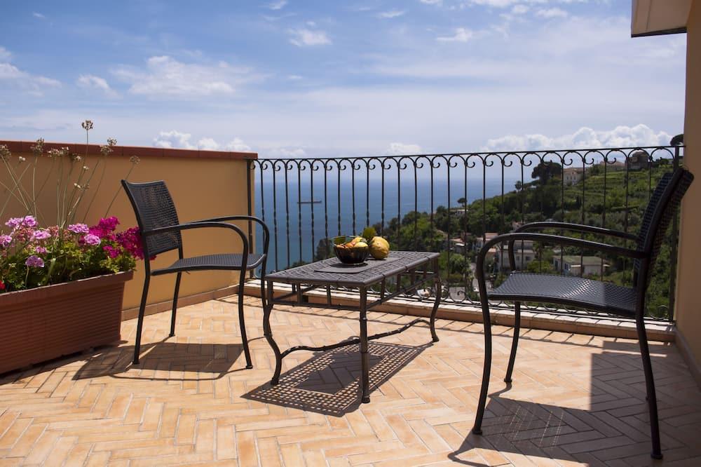 Апартаменти категорії «Superior», 1 спальня, з видом на море - Тераса/внутрішній дворик