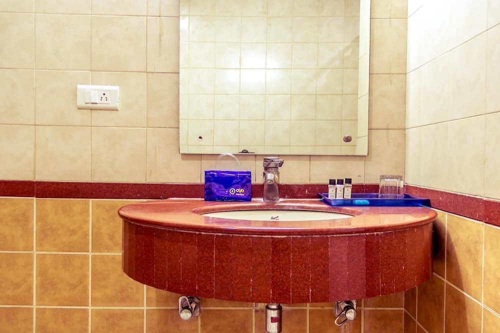 Štandardná izba s dvojlôžkom alebo oddelenými lôžkami, 1 dvojlôžko, súkromná kúpeľňa - Kúpeľňa
