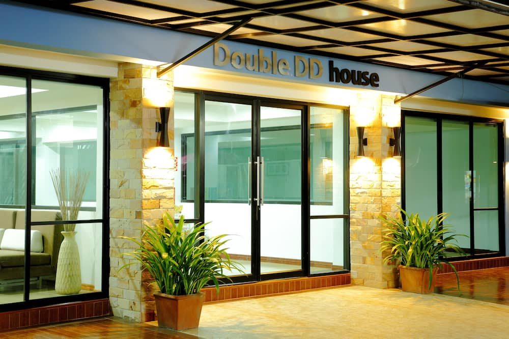 Double DD House at MRT Sutthisarn
