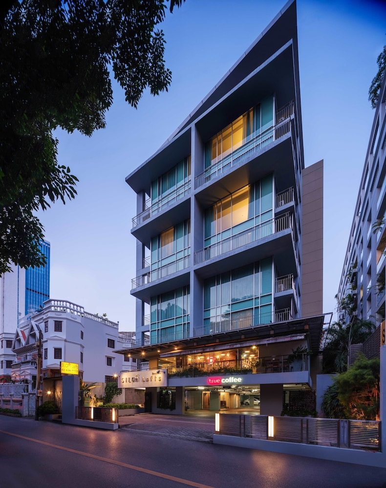 Silom Lofts Luxury Service Apartment, Bangkok