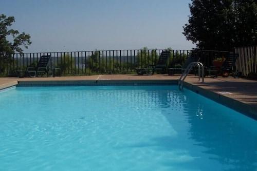 โฟร์ซีซั่นส์