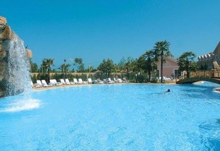 Gardaland Adventure Hotel, Castelnuovo del Garda, Außenpool