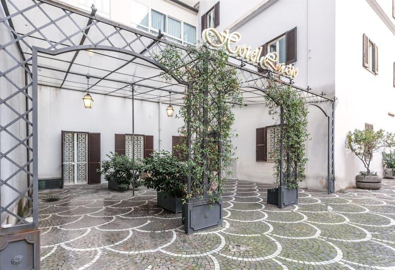 雷利拉齊奧酒店, 羅馬, 酒店入口