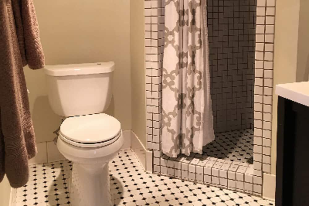 Szoba, privát fürdőszoba (Room 4 Lake View Standard) - Fürdőszoba