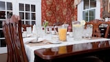 Choose this Bed and Breakfast in Chester - Online Room Reservations