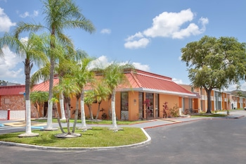 Foto di Travelodge by Wyndham Kissimmee East a Kissimmee