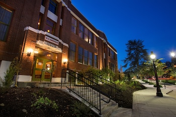 Picture of McMenamins Anderson School in Bothell