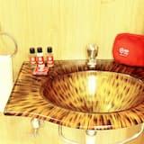 標準雙人或雙床房, 1 張標準雙人床, 私人浴室 - 浴室洗手盤