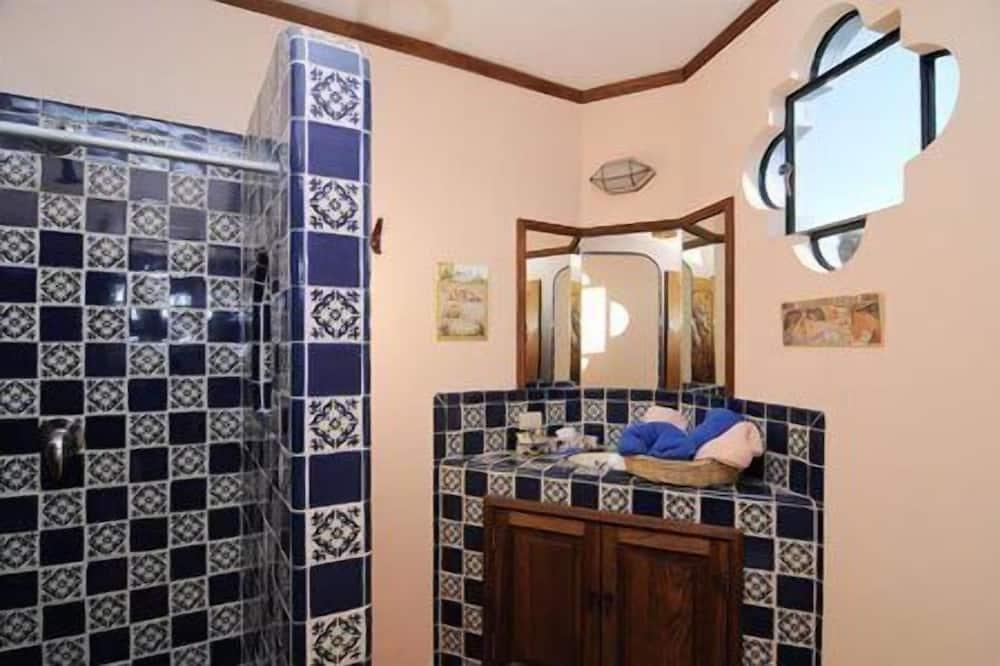 Standaard tweepersoonskamer, 1 tweepersoonsbed, privébadkamer - Badkamer