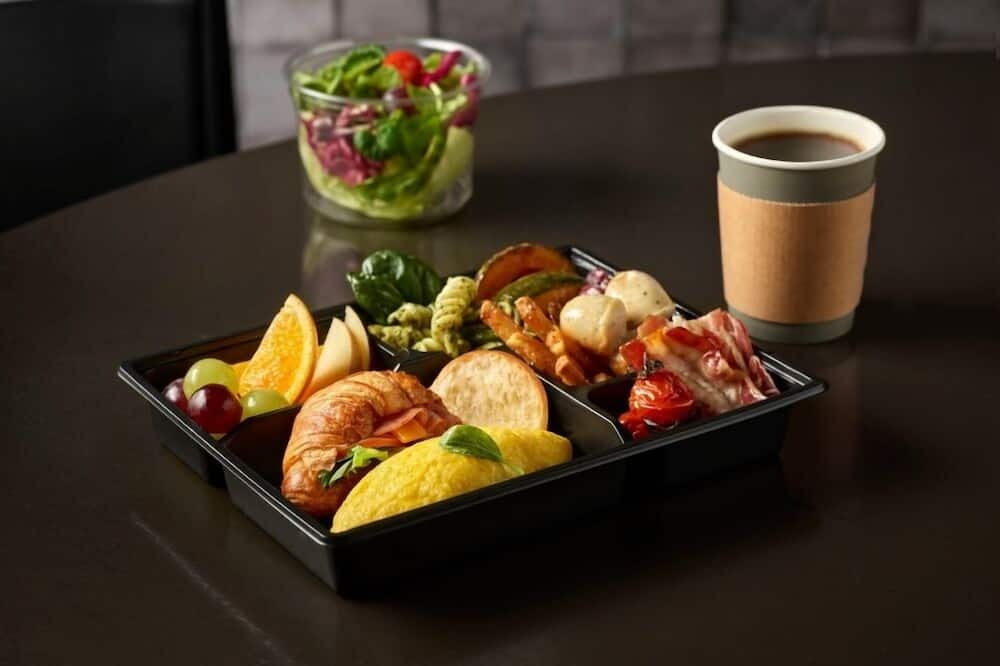 [Morning PKG] Standard Twin Room + 2 To Go Breakfast - In-Room Dining