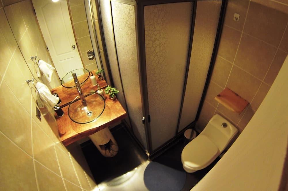Double Twin - Bathroom