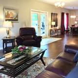Suite, 1 queen size krevet, pogled na rijeku, vrt (The Studio Suite) - Dnevna soba