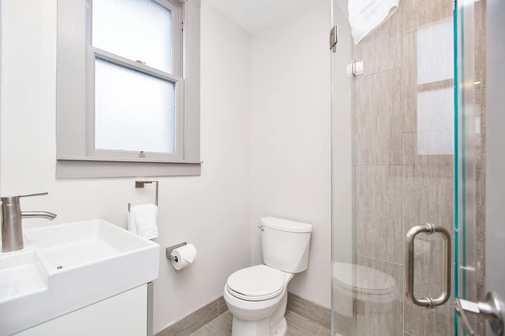 シグネチャー ルーム クイーンベッド 1 台 簡易キッチン - バスルーム