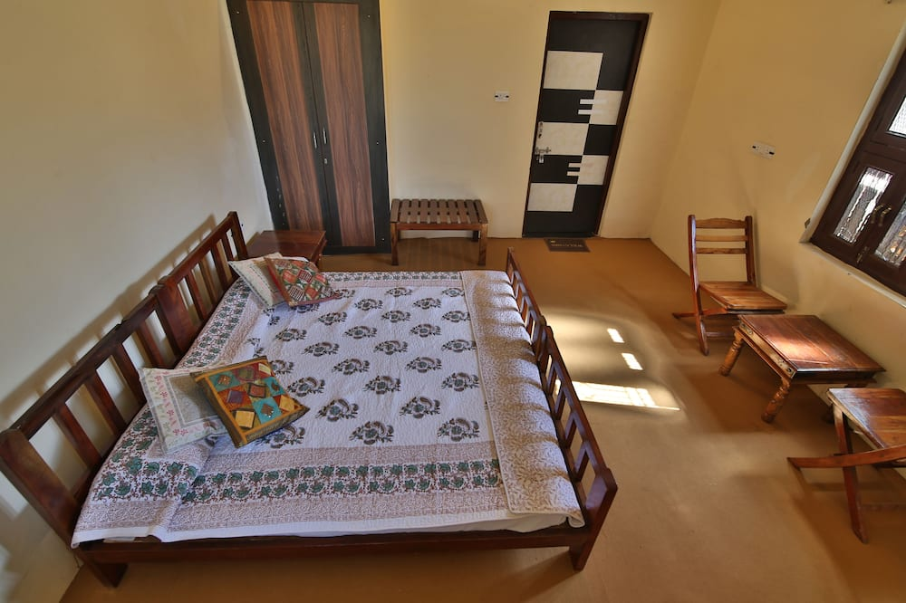 Deluxe Cottage, 1 Bedroom, Non Smoking - Living Room