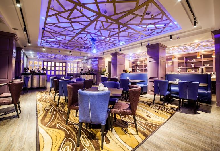 Absolute Hotel, Nur-Sultan, Salón lounge del hotel