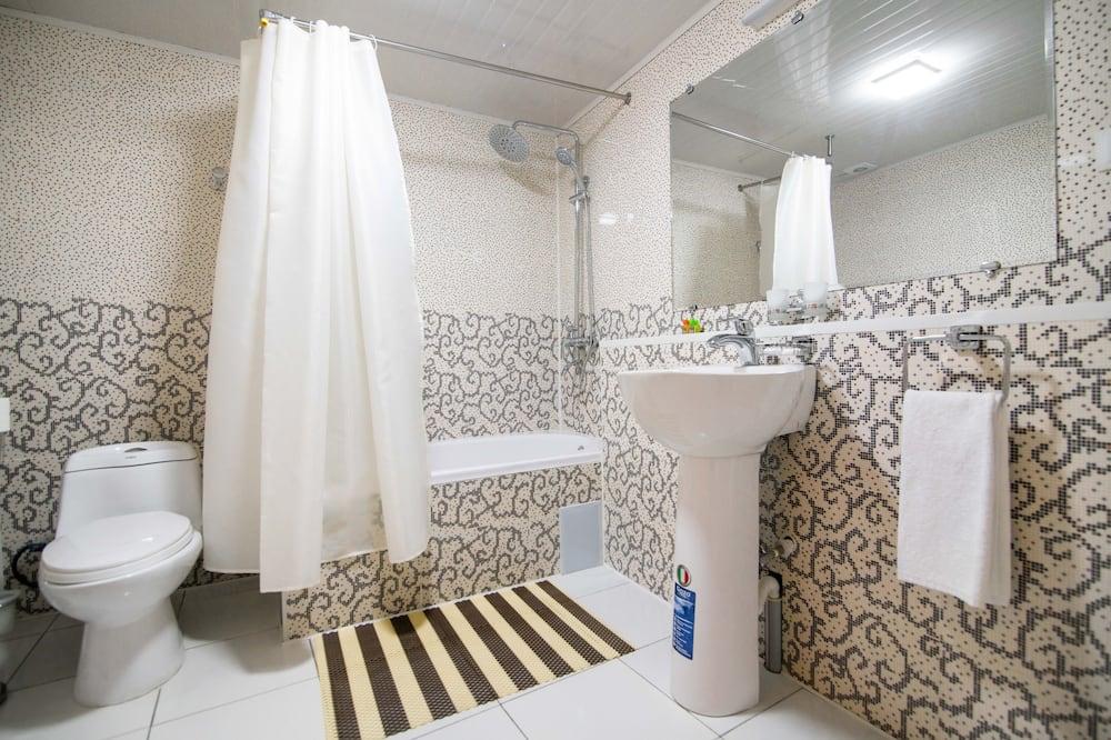 חדר מעוצב זוגי או טווין - חדר רחצה