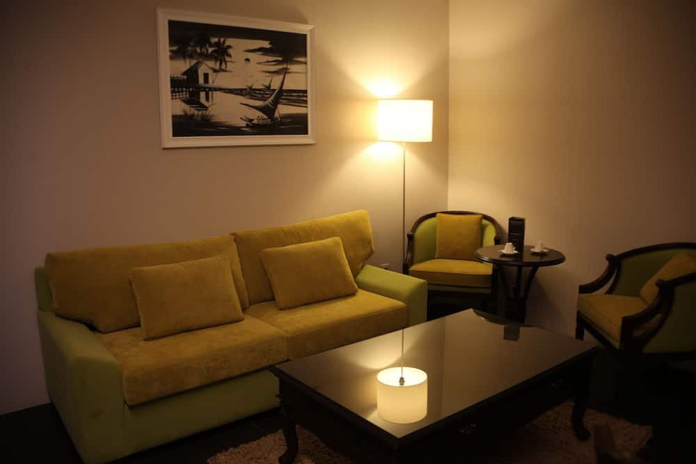 Standard Suite, 1 Double Bed with Sofa bed - Living Room