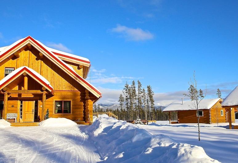 Northern Lights Resort and Spa, Whitehorse, Front obiektu