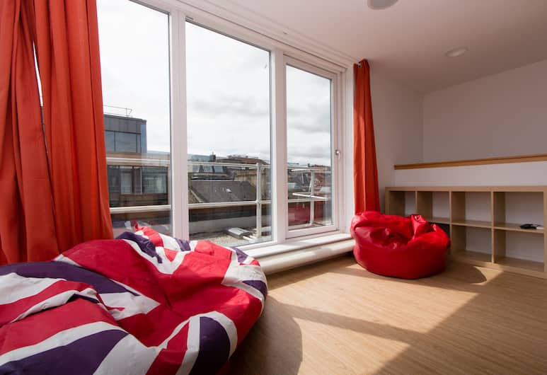 Destiny Student - Cowgate (Campus Accommodation), Edinburgh, Deluxe Penthouse, 1 Bedroom (3/4 Double Bed - 120cm wide), Guest Room View