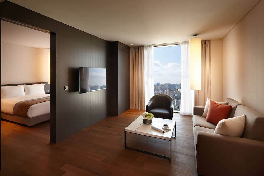 Grand Room (1 double bed and 1 living room) - Guest Room View