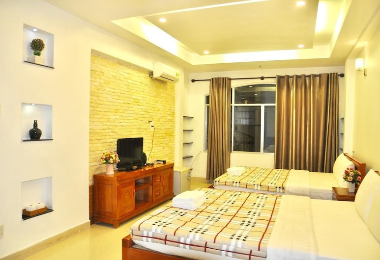 Jasmine Hotel, Ho Chi Minh City, Family Quadruple Room, 2 Queen Beds, City View, Guest Room