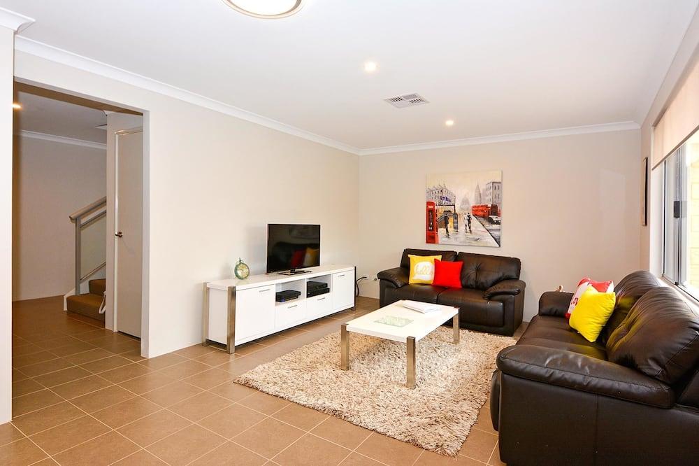 Nhà liên kế, Nhiều giường (1 Queen, 1 Double, 3 Single beds) - Khu phòng khách