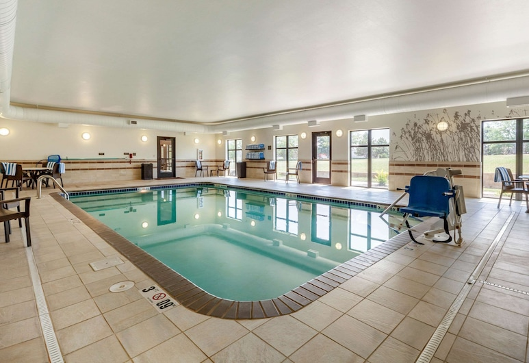 MainStay Suites University, Lincoln, Piscina