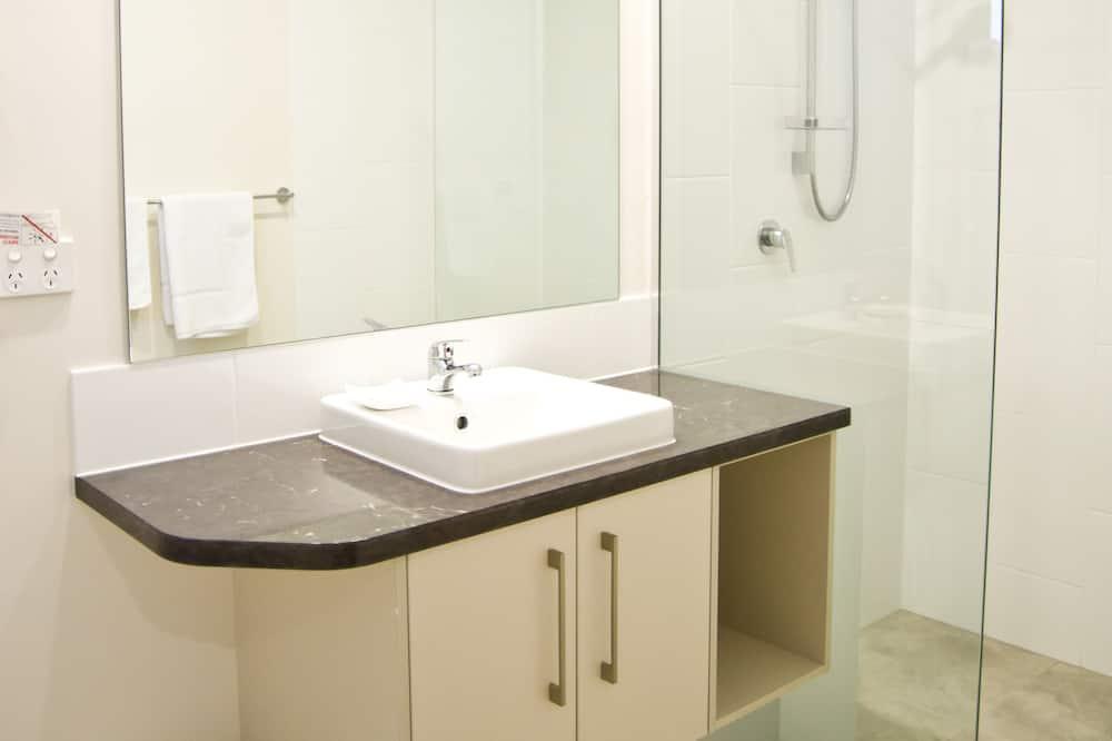 Zweibettzimmer (1 Nt+) - Badezimmer