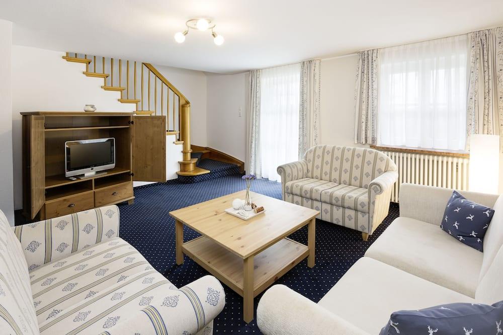 Апартаменты, 2 спальни, терраса - Гостиная