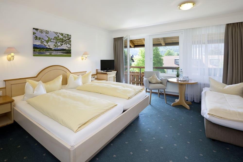 Трехместный номер, 1 спальня - Зона гостиной