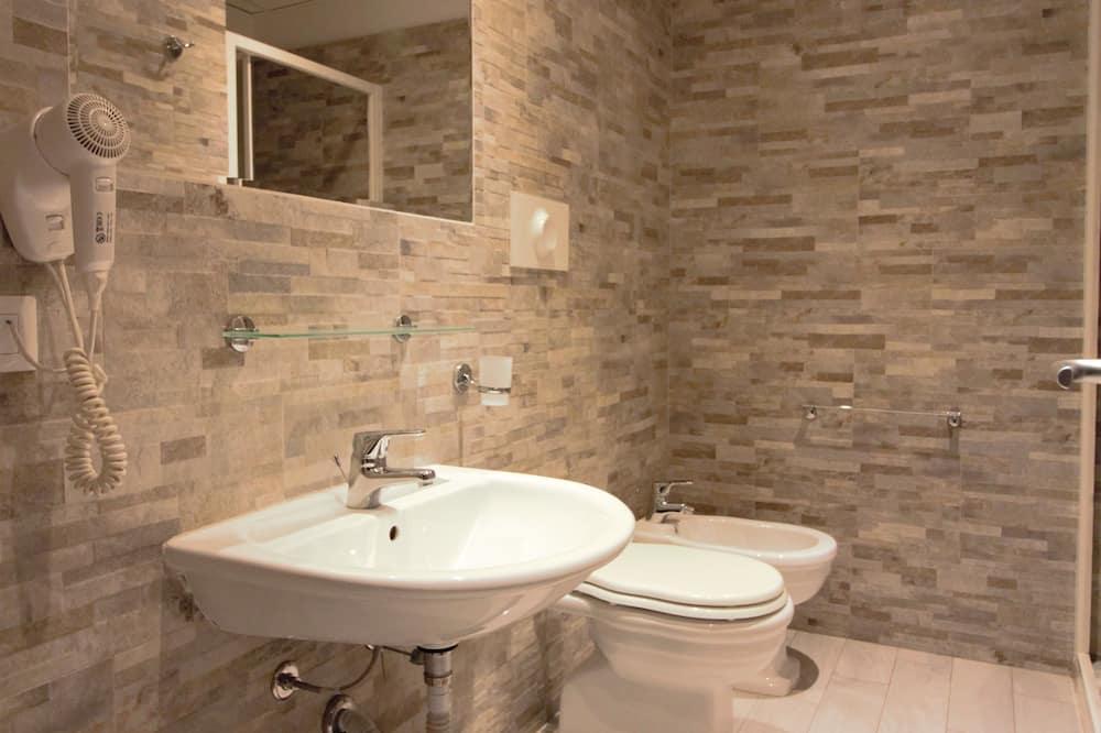 V.I.P. Double Room - Bathroom