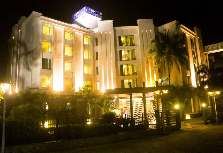 巴桑那酒店及渡假村, 西里古里, 酒店入口 - 夜景