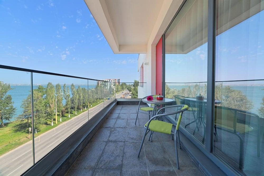 Apartment, 2 Bedrooms, Balcony, Partial Lake View - Balcony