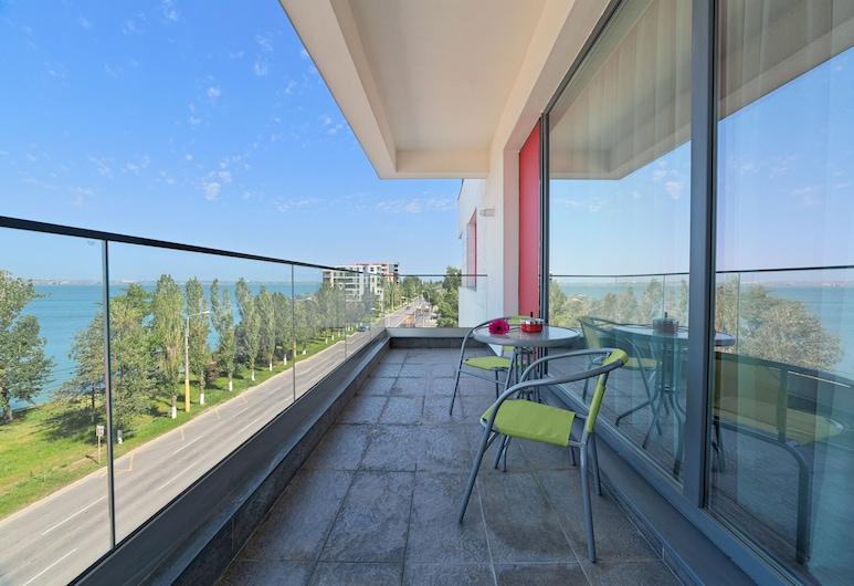Tomis Garden Aparthotel, Constanta, Apart Daire, 2 Yatak Odası, Balkon, Kısmi Göl Manzaralı, Balkon