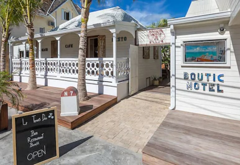 時光與櫻桃海灘飯店, 格蘭德凱斯