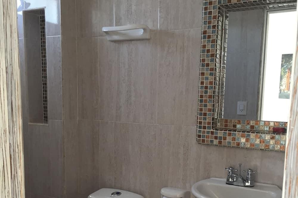Phòng 4 - Phòng tắm