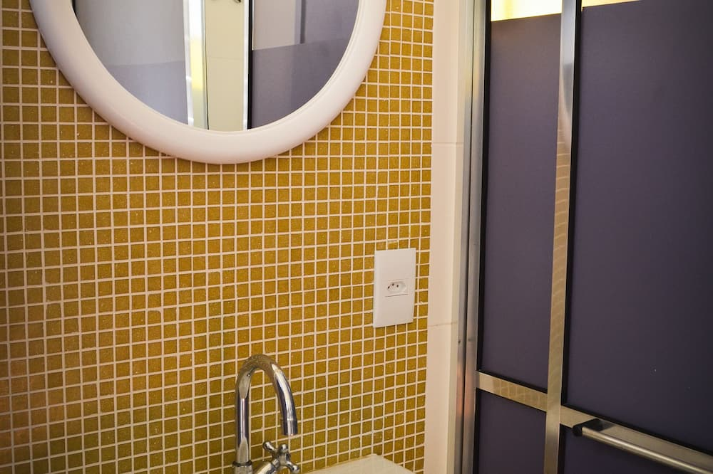 Shared Dormitory, Mixed Dorm, Private Bathroom (Max 10 people) - Bathroom