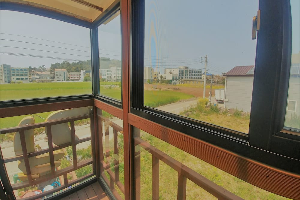 Basic Single Room, 1 Twin Bed, Non Smoking, Ocean View - Balcony