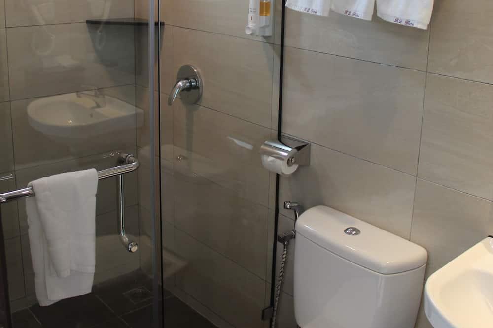 Familienzimmer (Deluxe) - Badezimmer