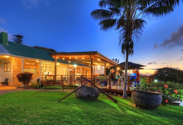 Castaway Norfolk Island, Norfolk Island, Hotel Front – Evening/Night