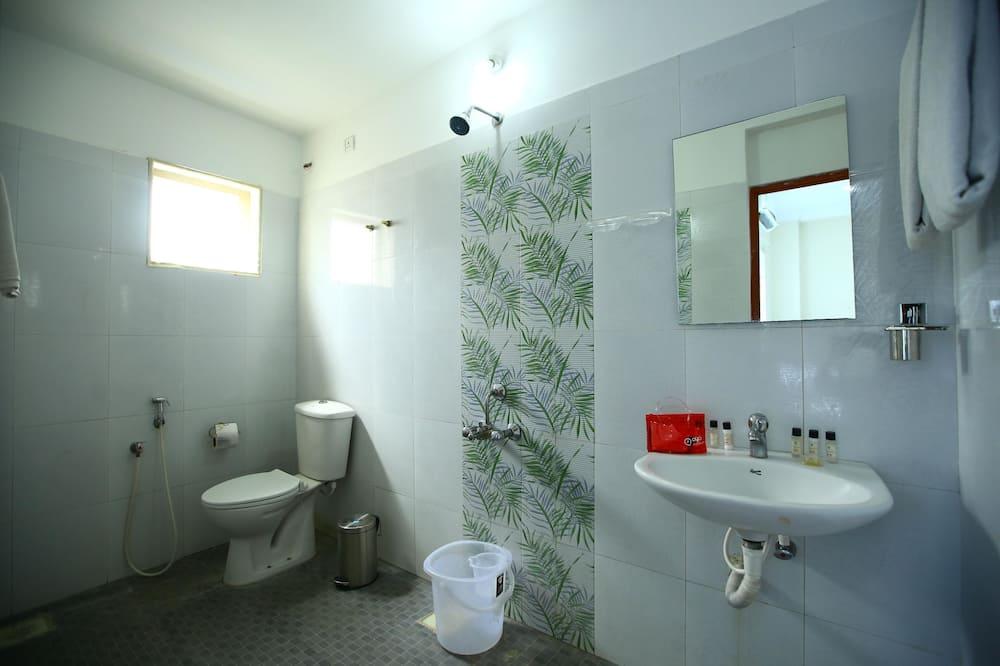 Habitación estándar con 1 cama doble o 2 individuales, 1 cama doble, baño privado - Baño