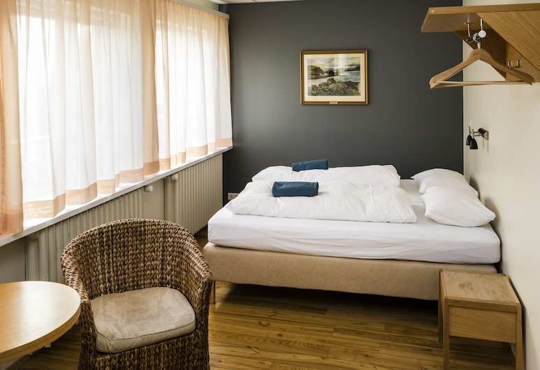 Reykjavik Downtown HI Hostel, Reykjavik, Standard Double or Twin Room (Private bathroom), Guest Room
