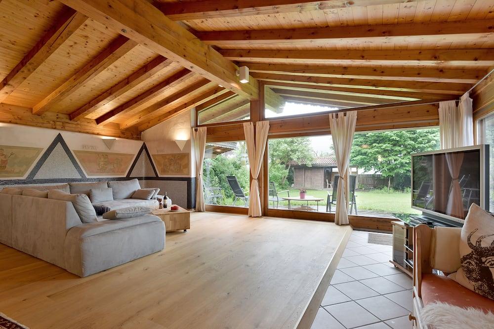 Luksusa dzīvokļnumurs, trīs guļamistabas, pirts, skats uz kalniem (additional cleaning fee € 65,00) - Dzīvojamā istaba