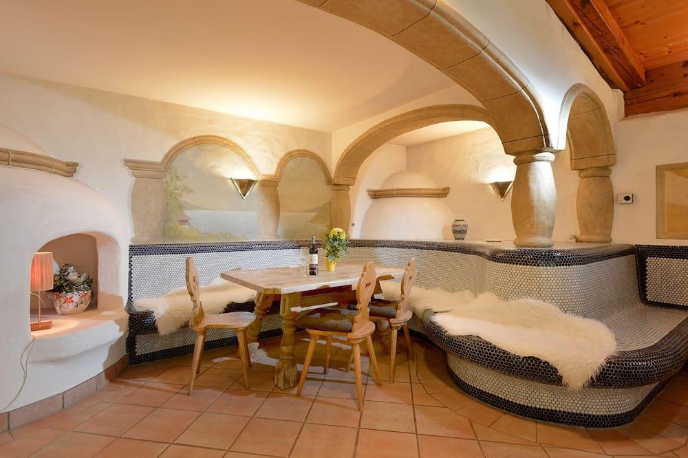 Luksusa dzīvokļnumurs, trīs guļamistabas, pirts, skats uz kalniem (additional cleaning fee € 65,00) - Numura ēdamzona