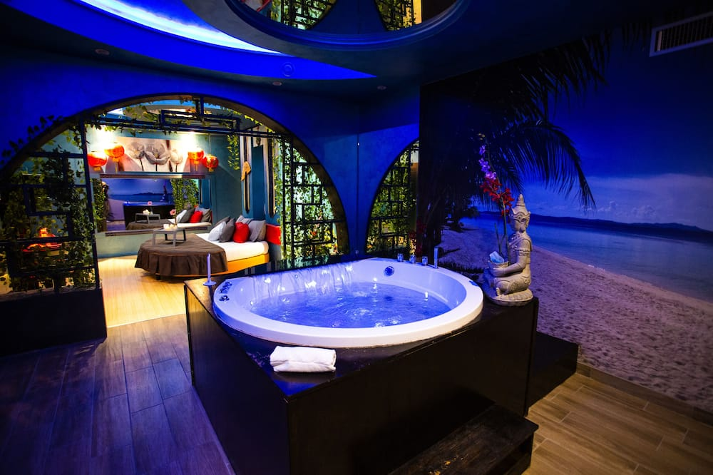 Suite, 1 Queen Bed (Spa ) - Private spa tub