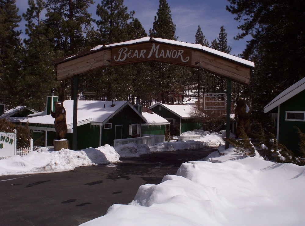 hotels cabins a adorable houses you blvd less for truly of bear year can big buy than