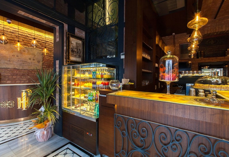 Hotel Pera Parma, Istanbul, Lobby Sitting Area