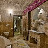 Cave King Suite - Baño
