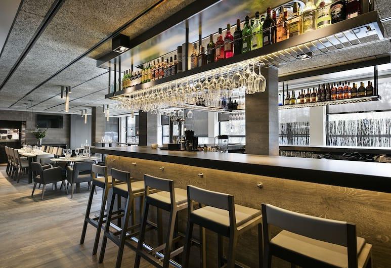 Upper Diagonal, Barcelona, Hotel Bar